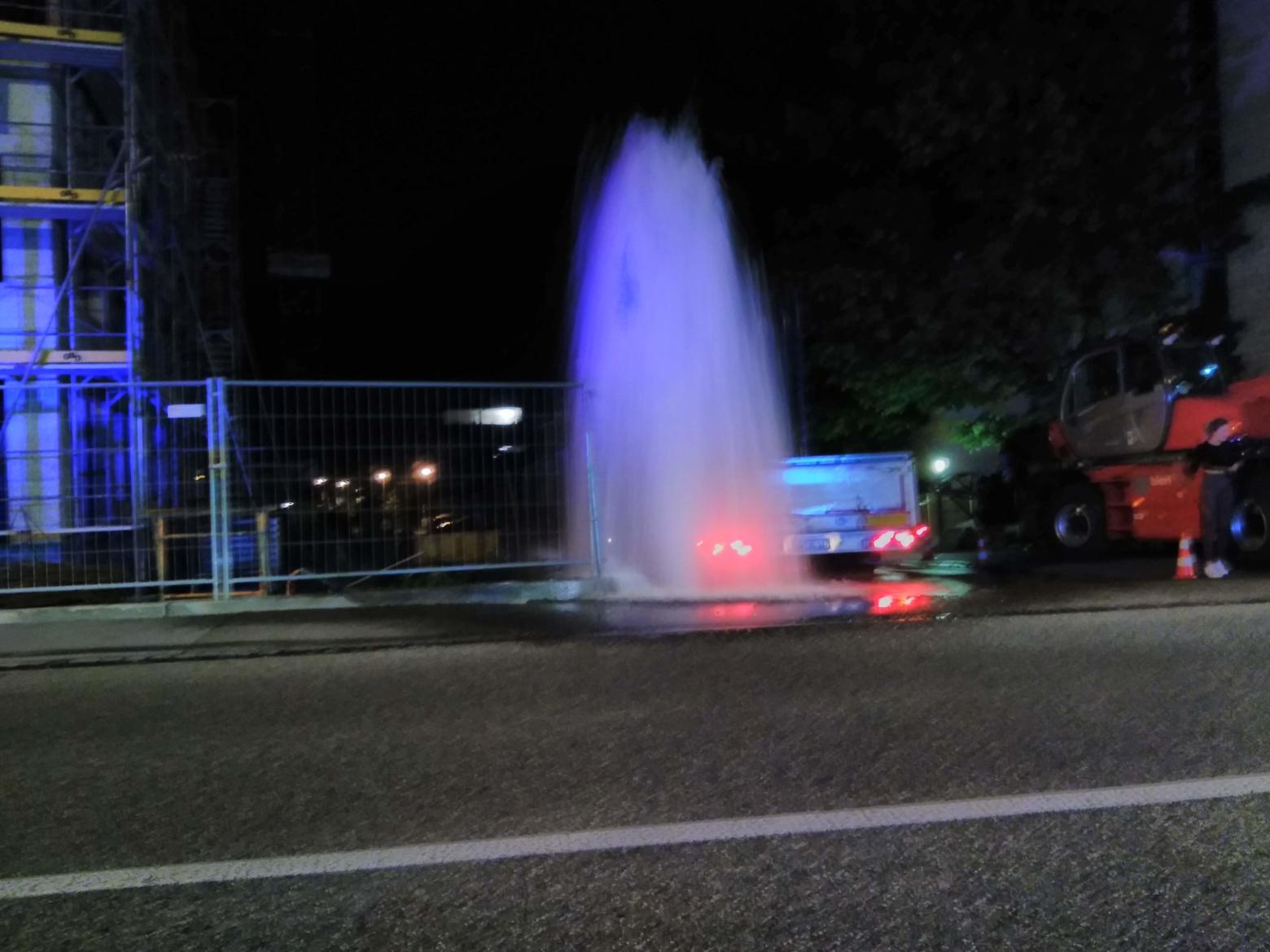 Hydrant umgefahren
