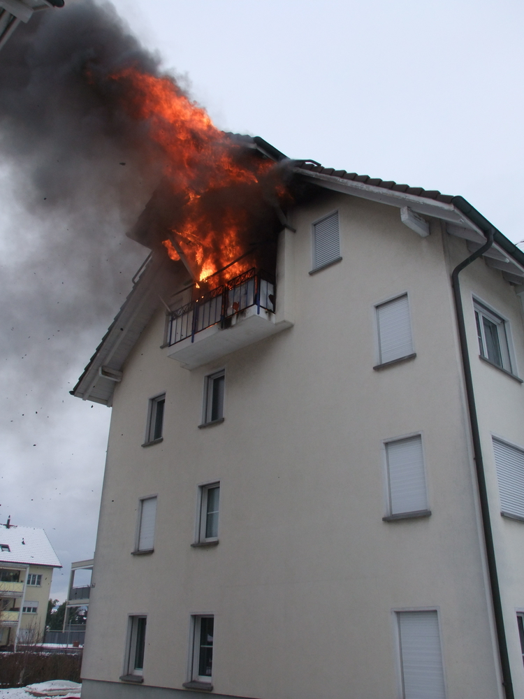 Brand in Dachwohnung